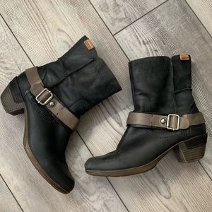 Authentic Pikolions ankle boots with buckles